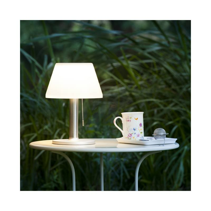 Galix Solar-powered table lamp