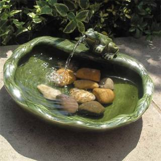 Green ceramic fountain Frog